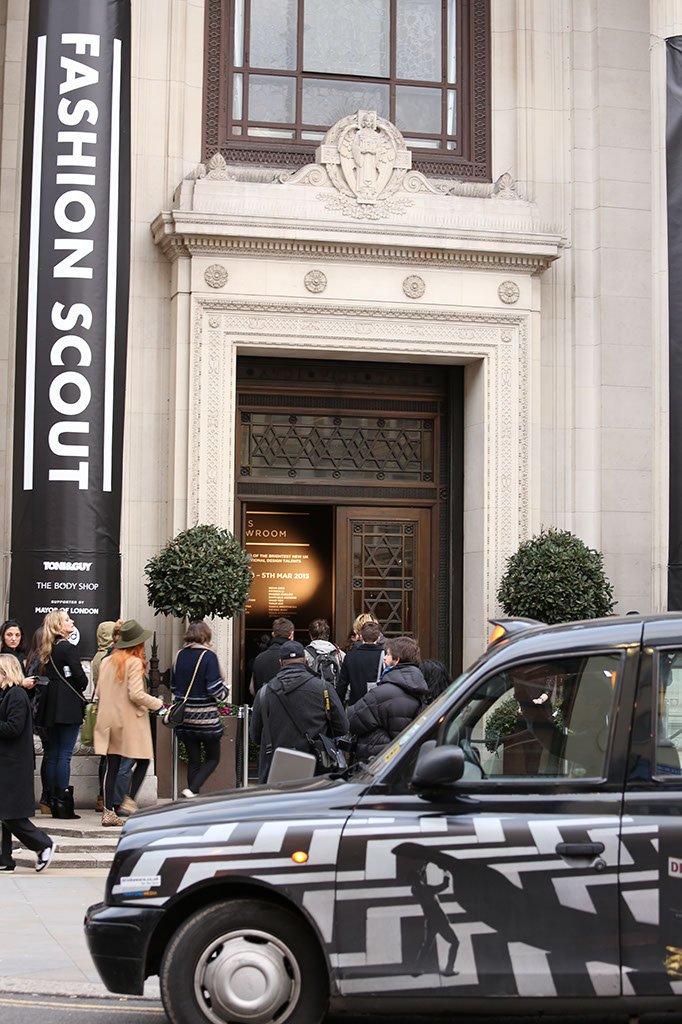 Photo: Fashion Scout London, Entrance, London taxi cab, Street Style & Catwalk Photographer London