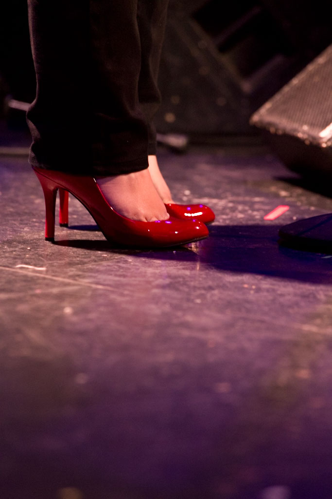 Photo: NY musician's Red shoes, by British Photographer MARGARET YESCOMBE, Band performance, singer TORI SCOTT, 061